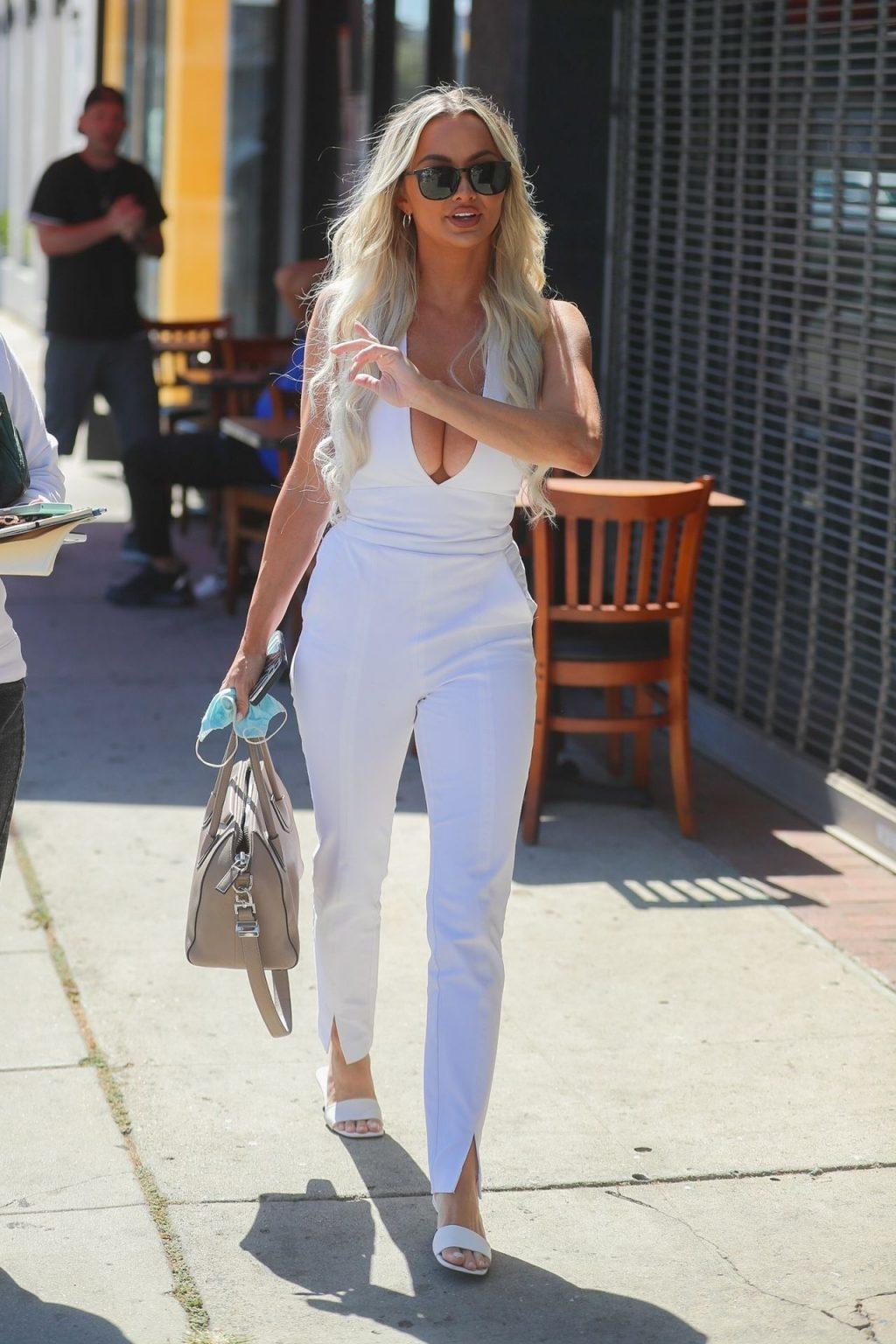 Lindsey Pelas Turns Heads on Her Way to Lunch with a Friend on Melrose Ave (32 Photos)