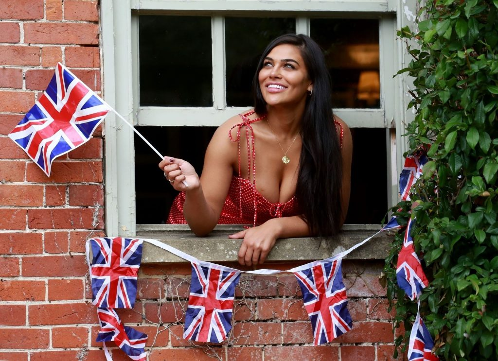 Lydia Clyma Celebrates Spitfire Flypast (18 Photos)