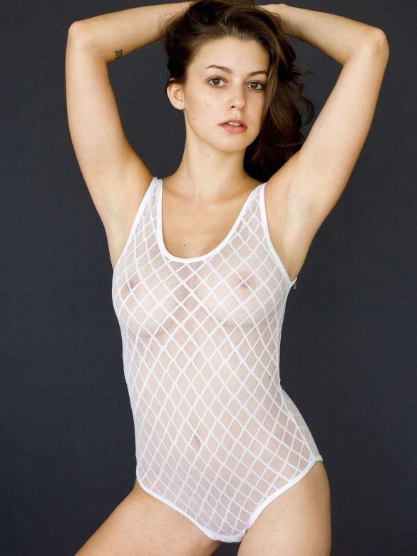 Meg Myers See Through & Sexy (98 Photos)