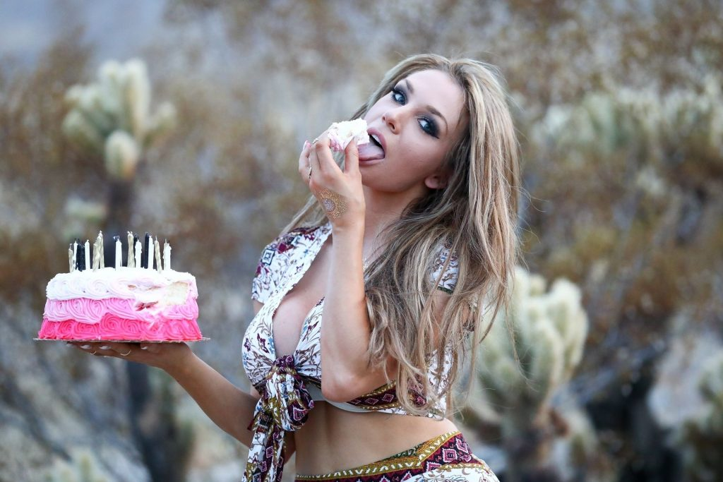 Courtney Stodden Celebrates Her Birthday in Palm Springs (60 Photos)