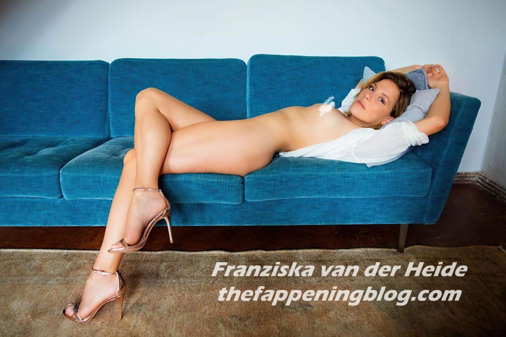 Franziska van der Heide Nude (3 Photos)