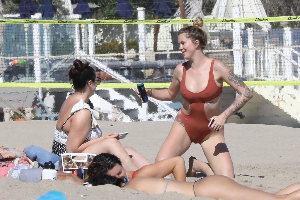 Ireland Baldwin Stuns in a Swimsuit While Enjoying a Beach Day (297 New Photos)