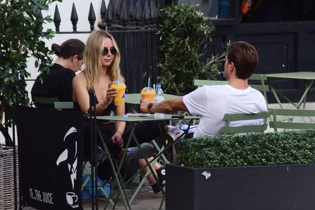 Kimberley Garner & Ollie Chambers Are Seen in London (60 Photos)