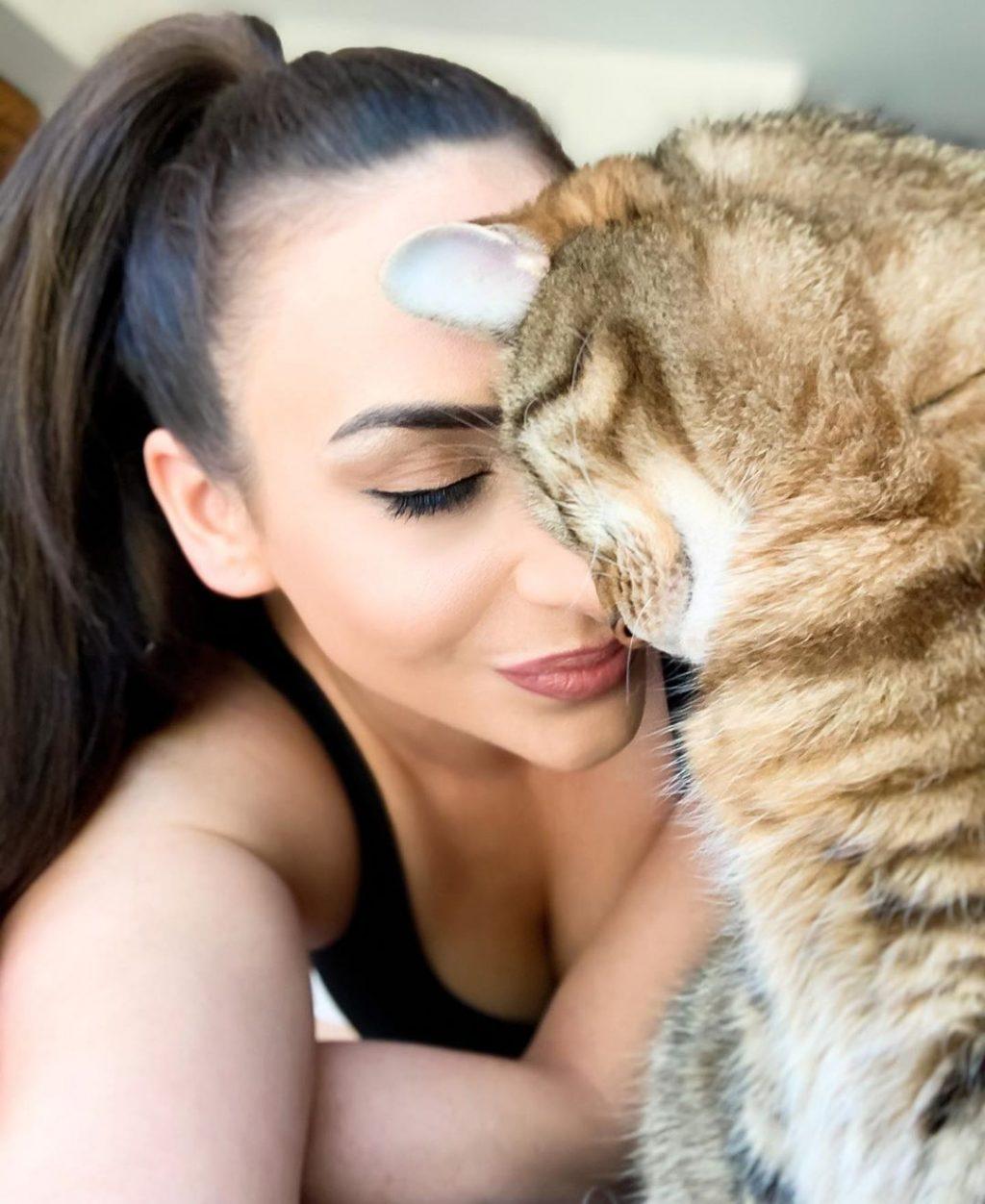 Michelle Rotella Sexy (10 Photos)