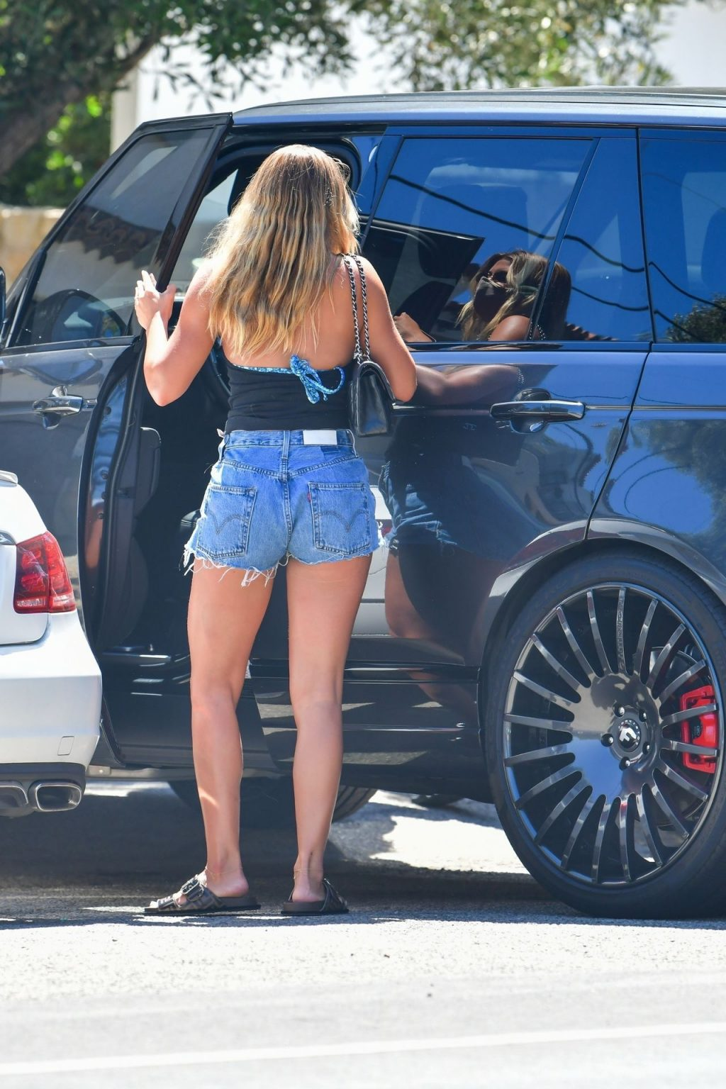 Sofia Richie Arrives at a Friends Beach House in Malibu to Work on Her Tan (18 Photos)