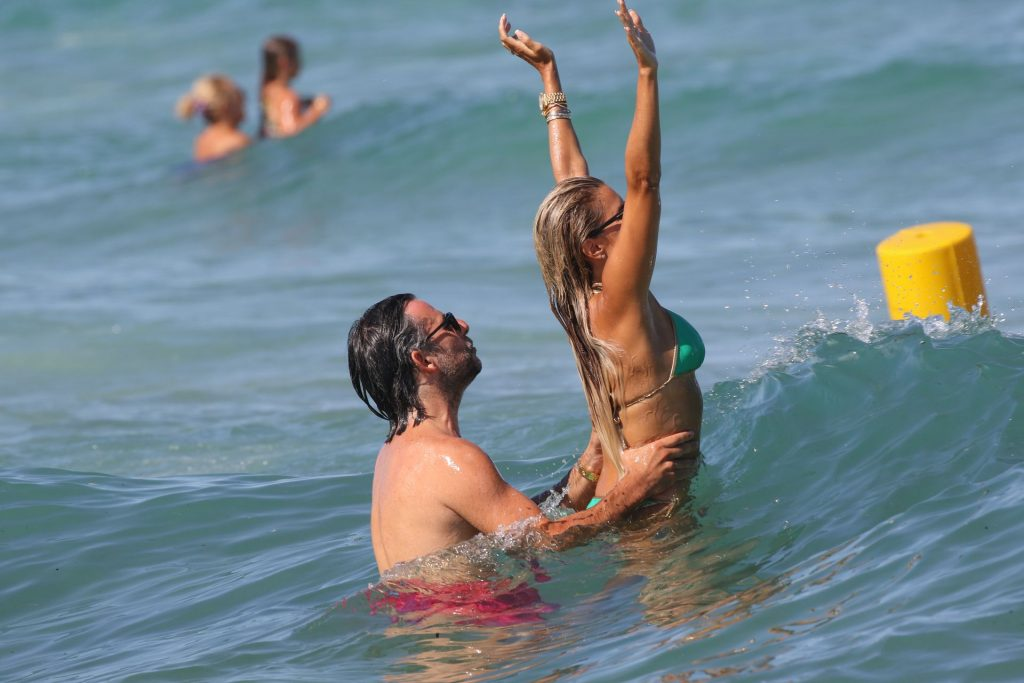 Sylvie Meis & Niclas Castello Enjoy a Beach Day in Saint Tropez (48 Photos)