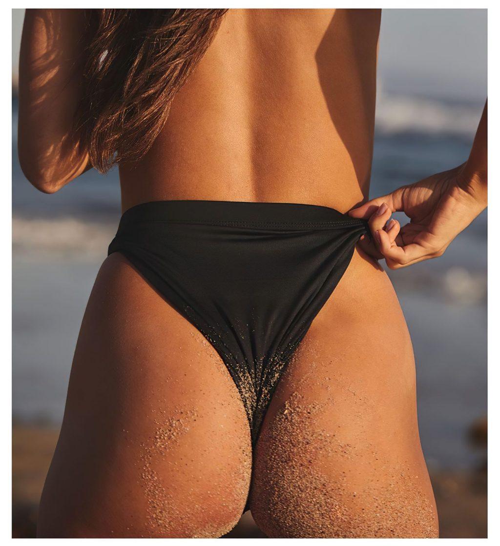 Cassie Amato Topless (8 Photos)