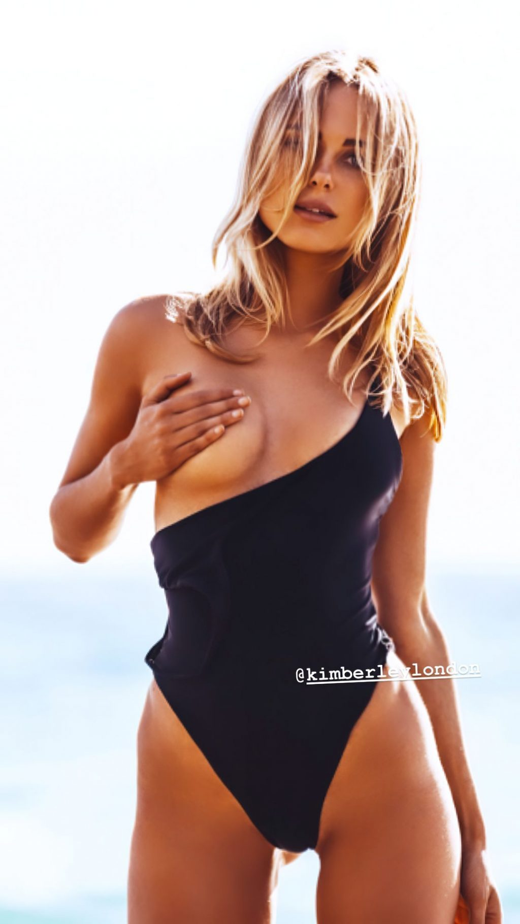 Kimberley Garner Hot (2 New Photos)