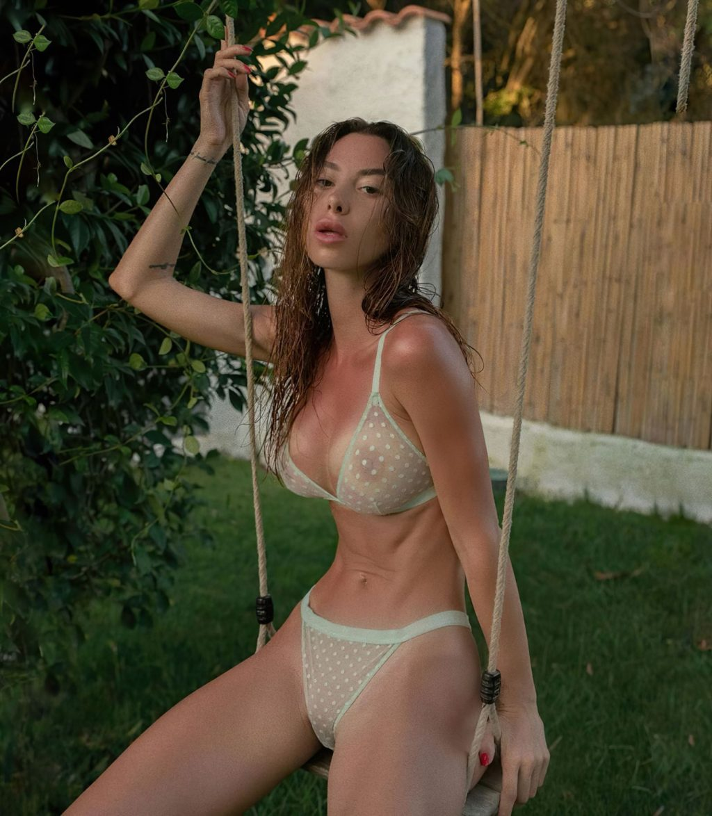 Valentina Fradegrada Nude (15 Photos)