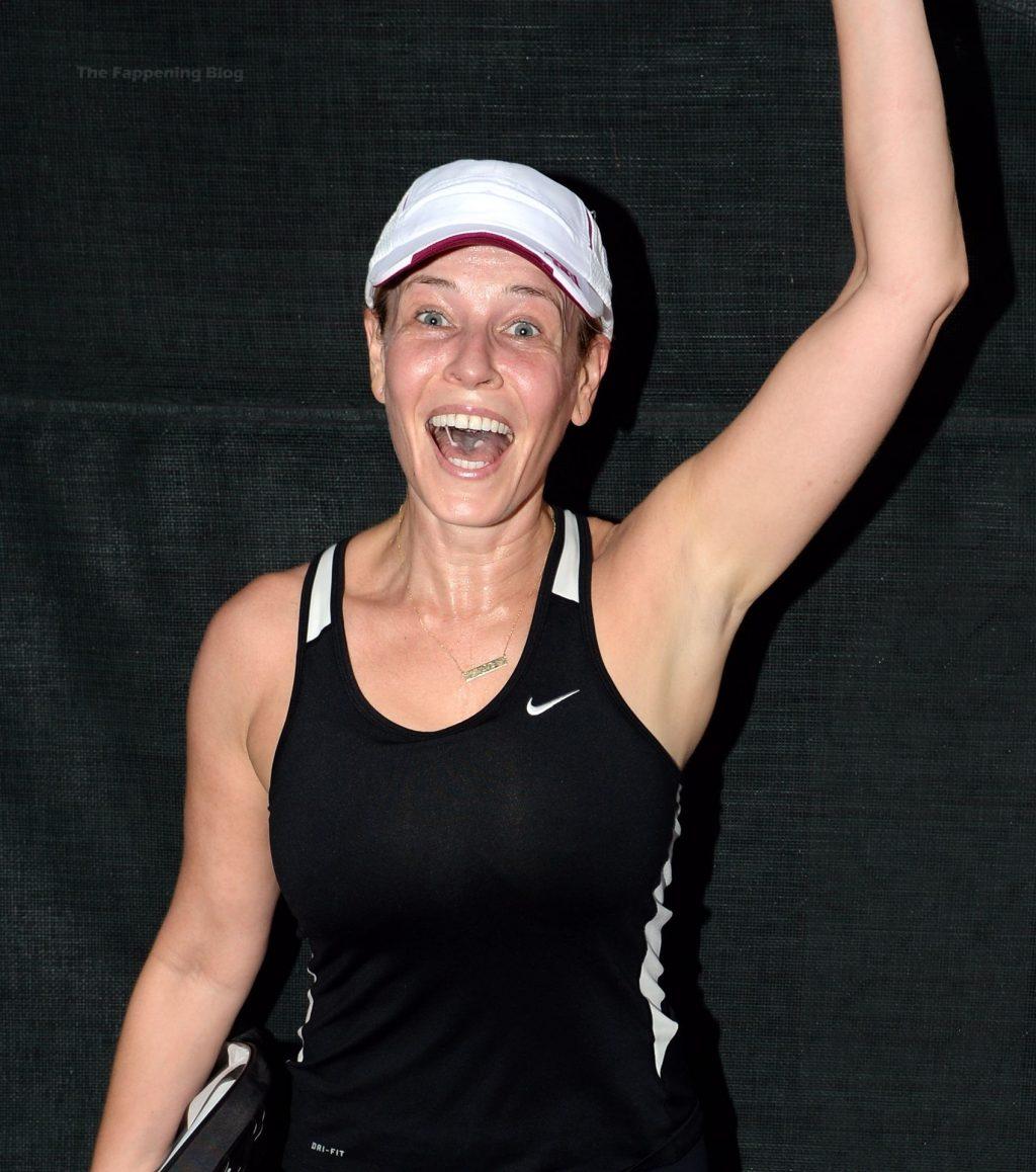 Chelsea Handler Displays Her Pokies on the Tennis Court (47 Photos)