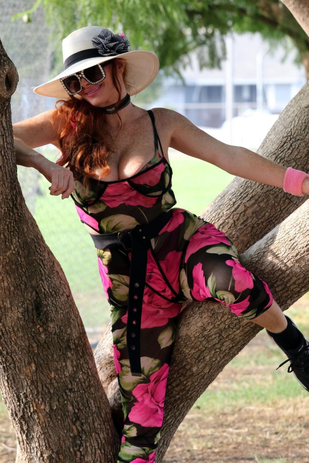 Phoebe Price Gets Her Stretch on in the Park (28 Photos)