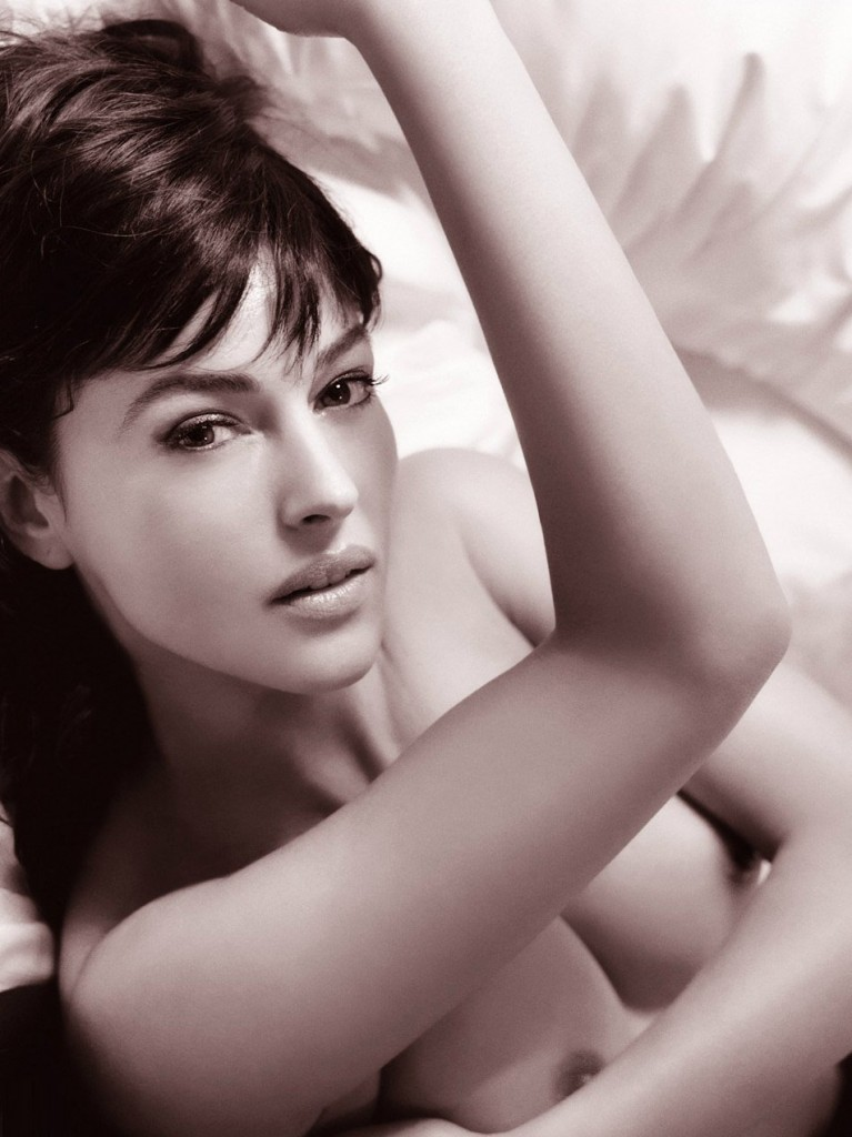 Naked Monica Bellucci