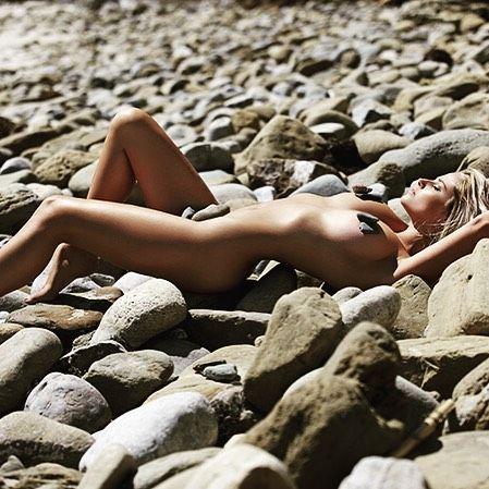Genevieve Morton Nude pics