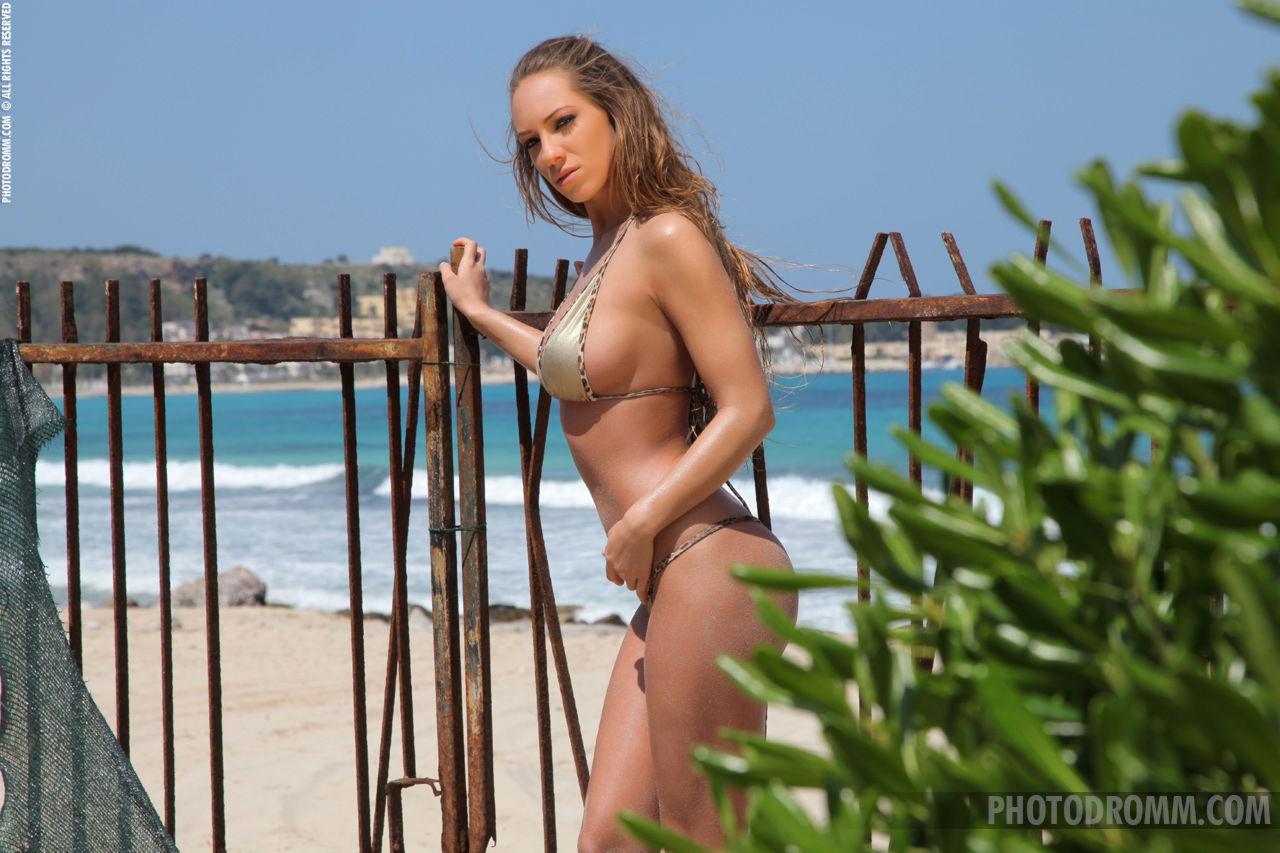 Busty Vivien naked photoset