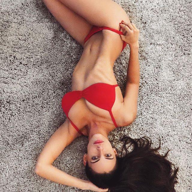 Jessica Lowndes Sexy Photos