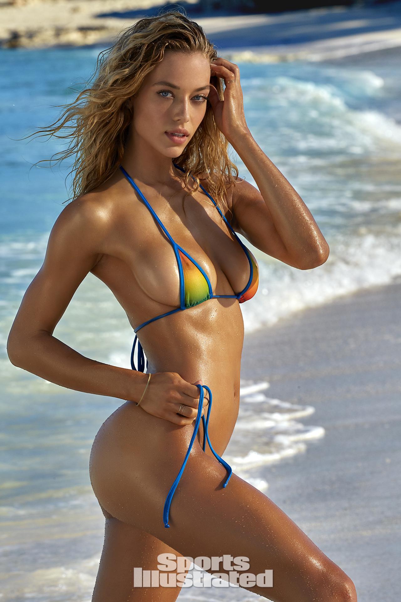 Hannah Ferguson Sexy Photos