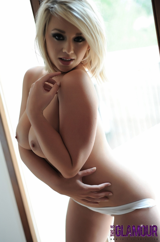 Topless Photos of Melissa Debling