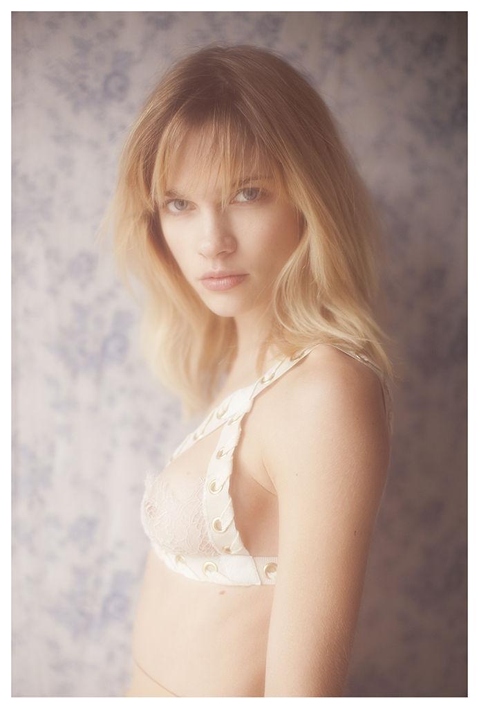 Eva Biechy Nude Photos