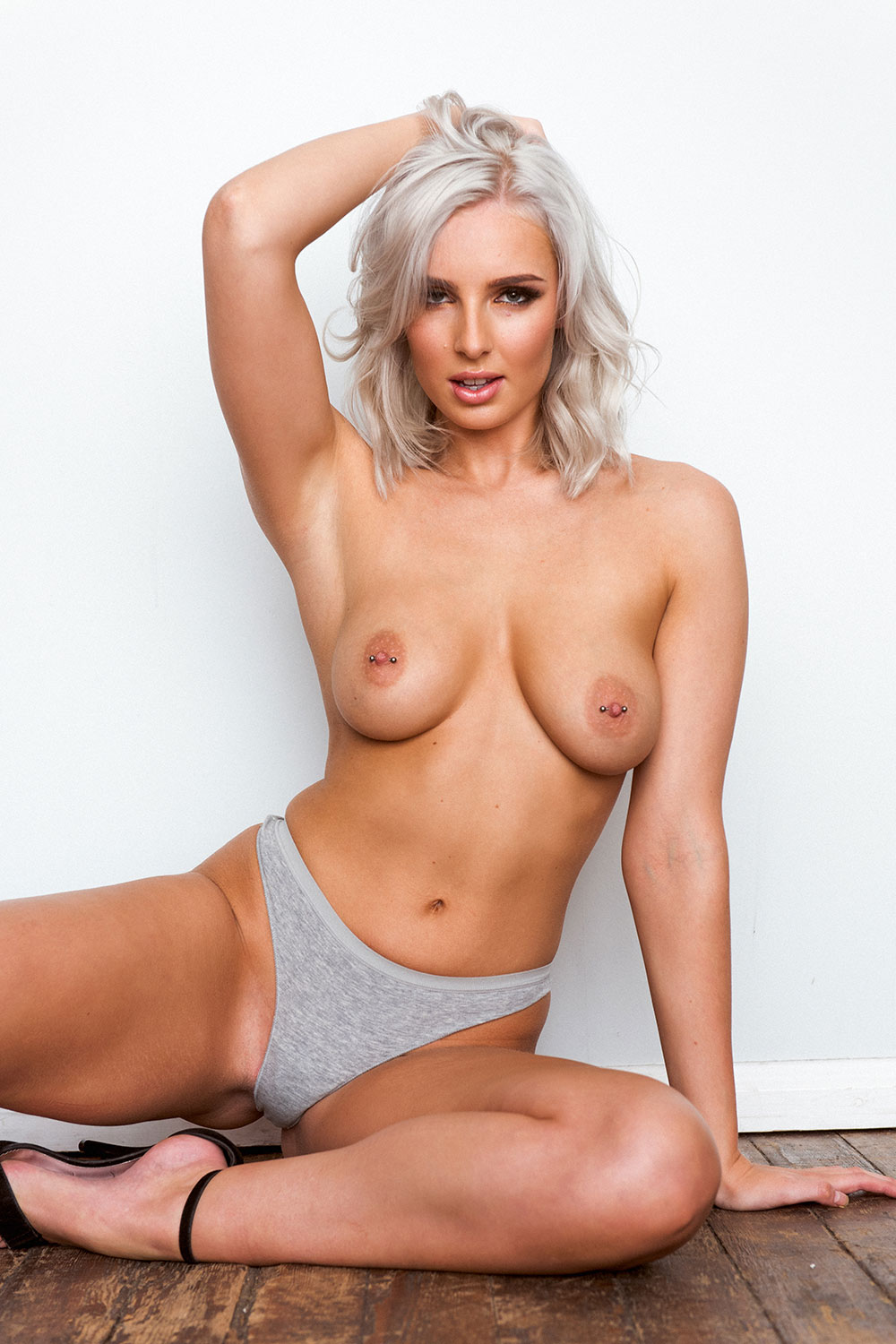 Topless Photos of Lissy Cunningham