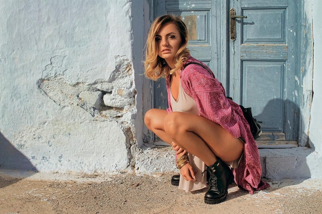 Sexy Photos of Alexandra Stan