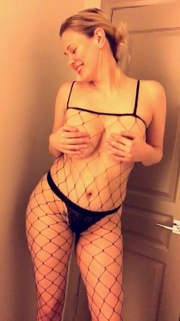 Maitland Ward Shows Her Tits In A Fishnet Bodysuit