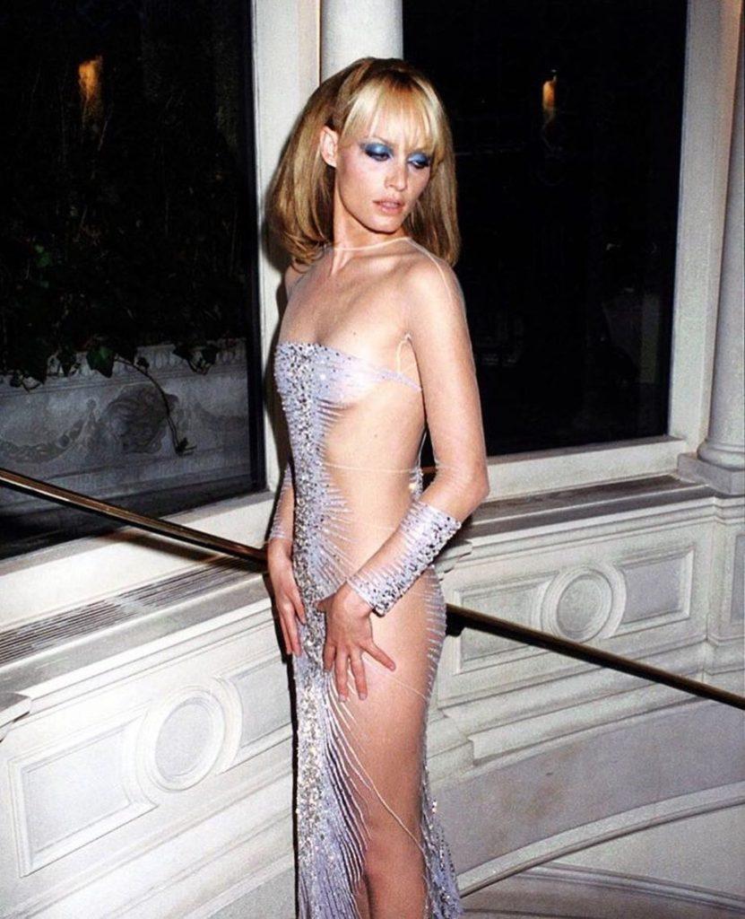 Amber Valletta Sexy