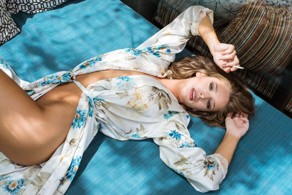 Emily Agnes Nude