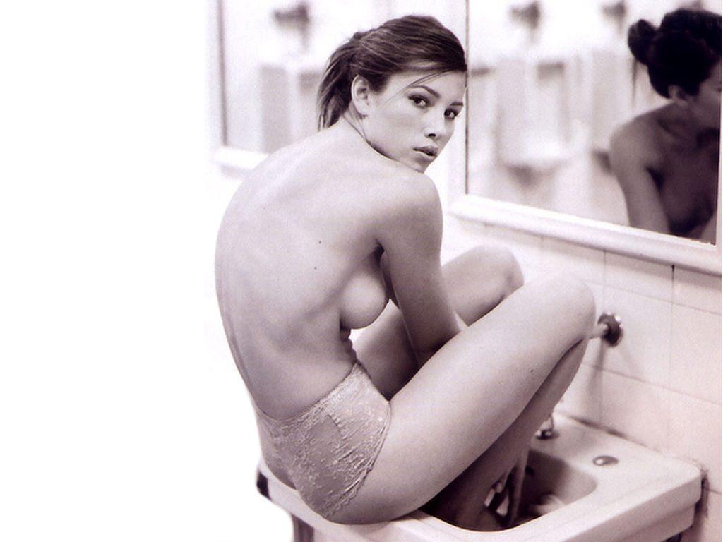 Jessica Biel Erotic