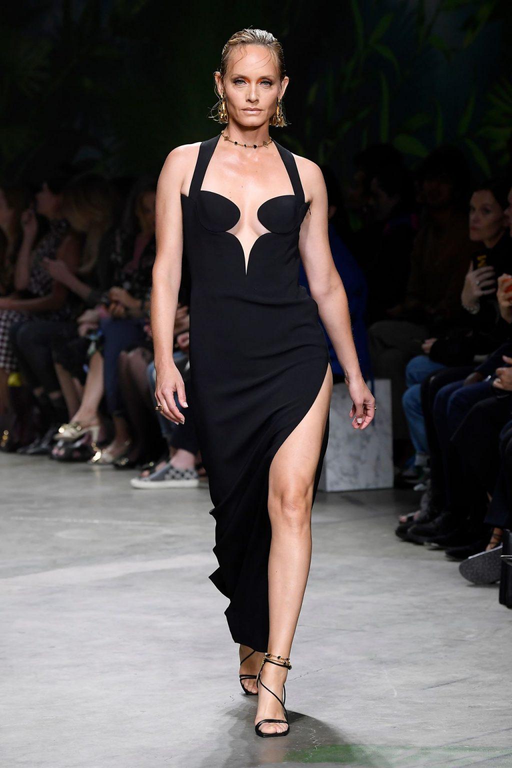 Amber Valletta Erotic