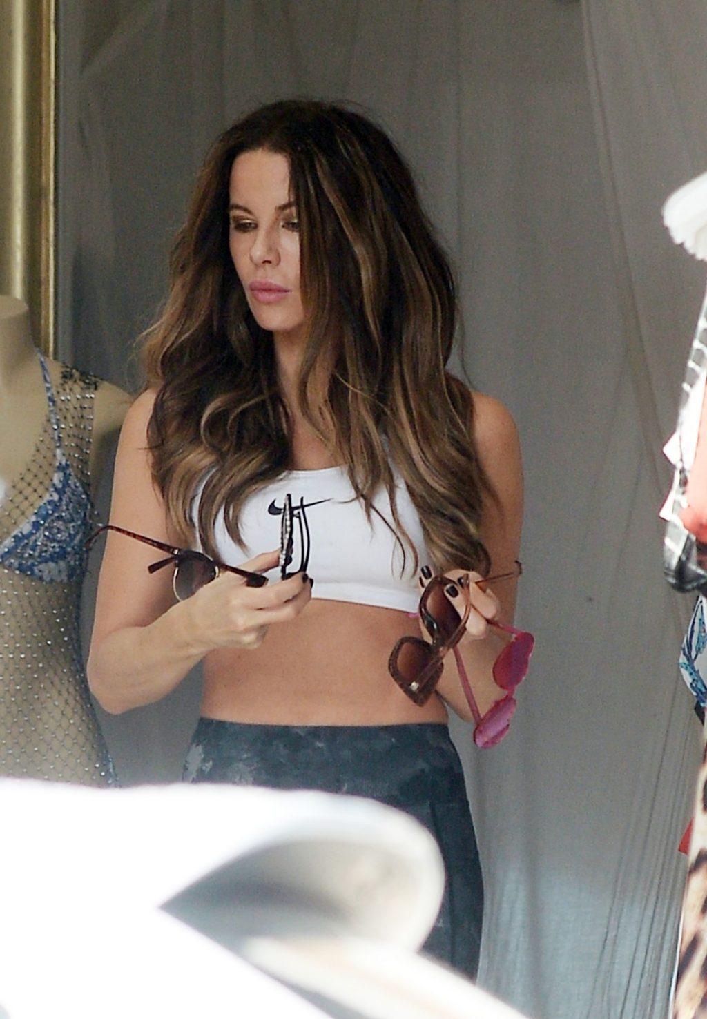 Kate Beckinsale Hot