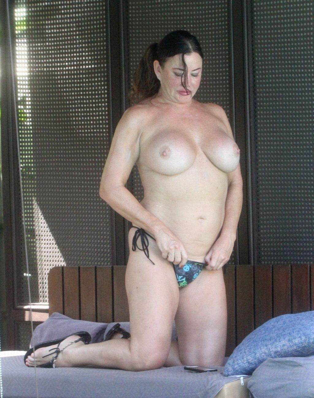 Lisa Appleton Topless