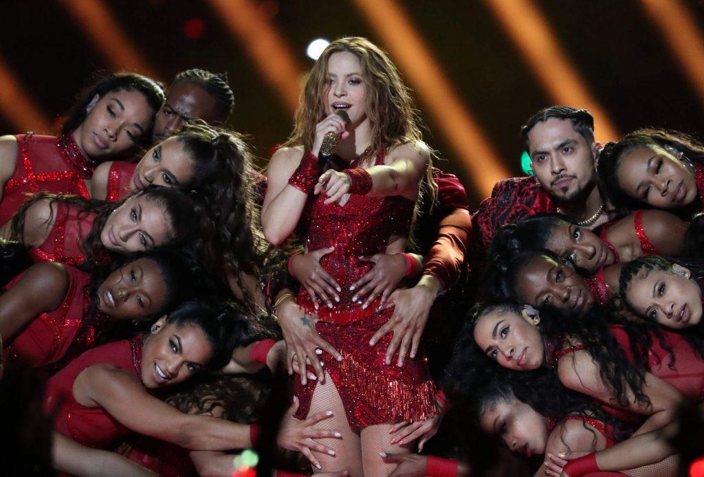 Jennifer Lopez & Shakira Hot