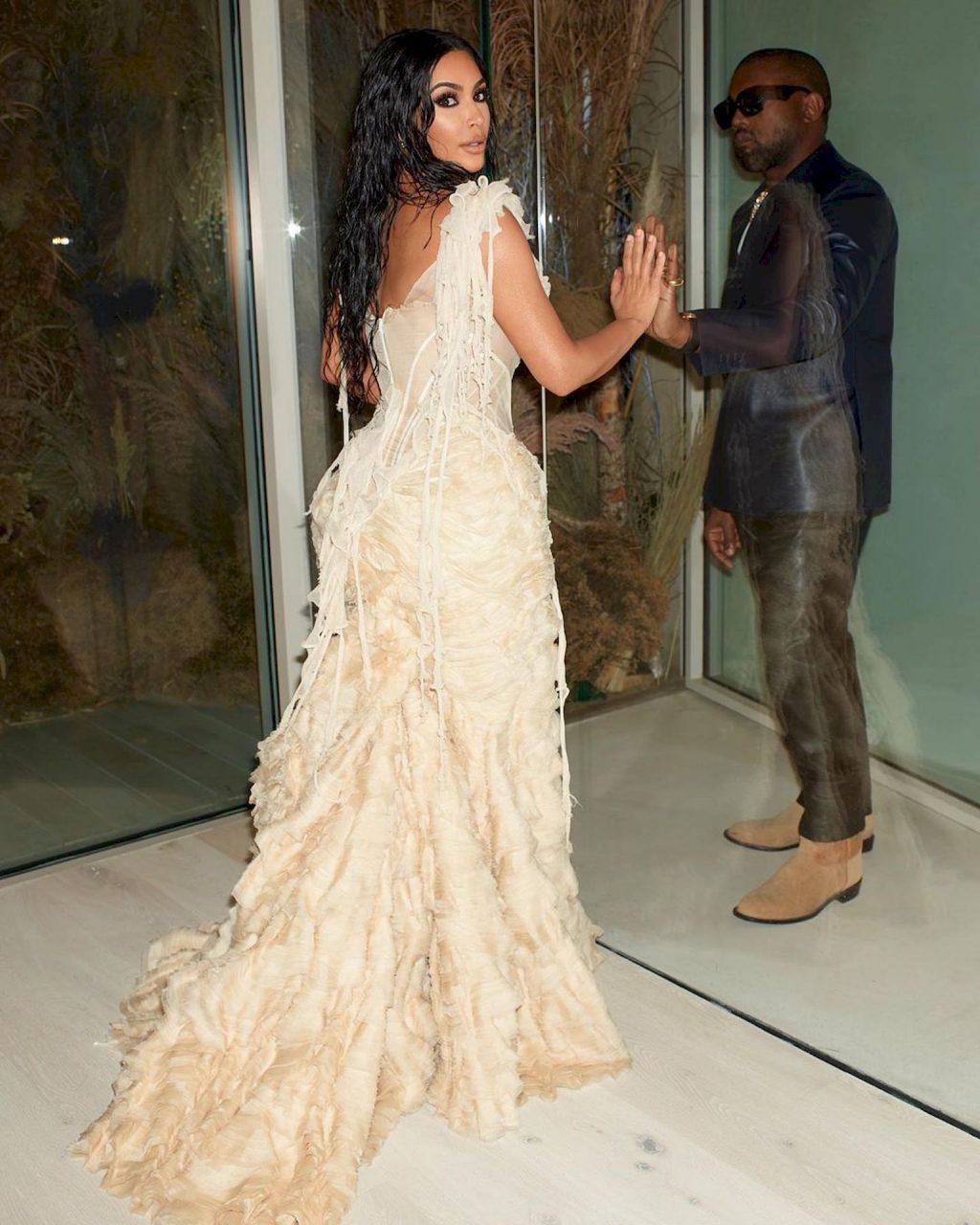Kim Kardashian Erotic