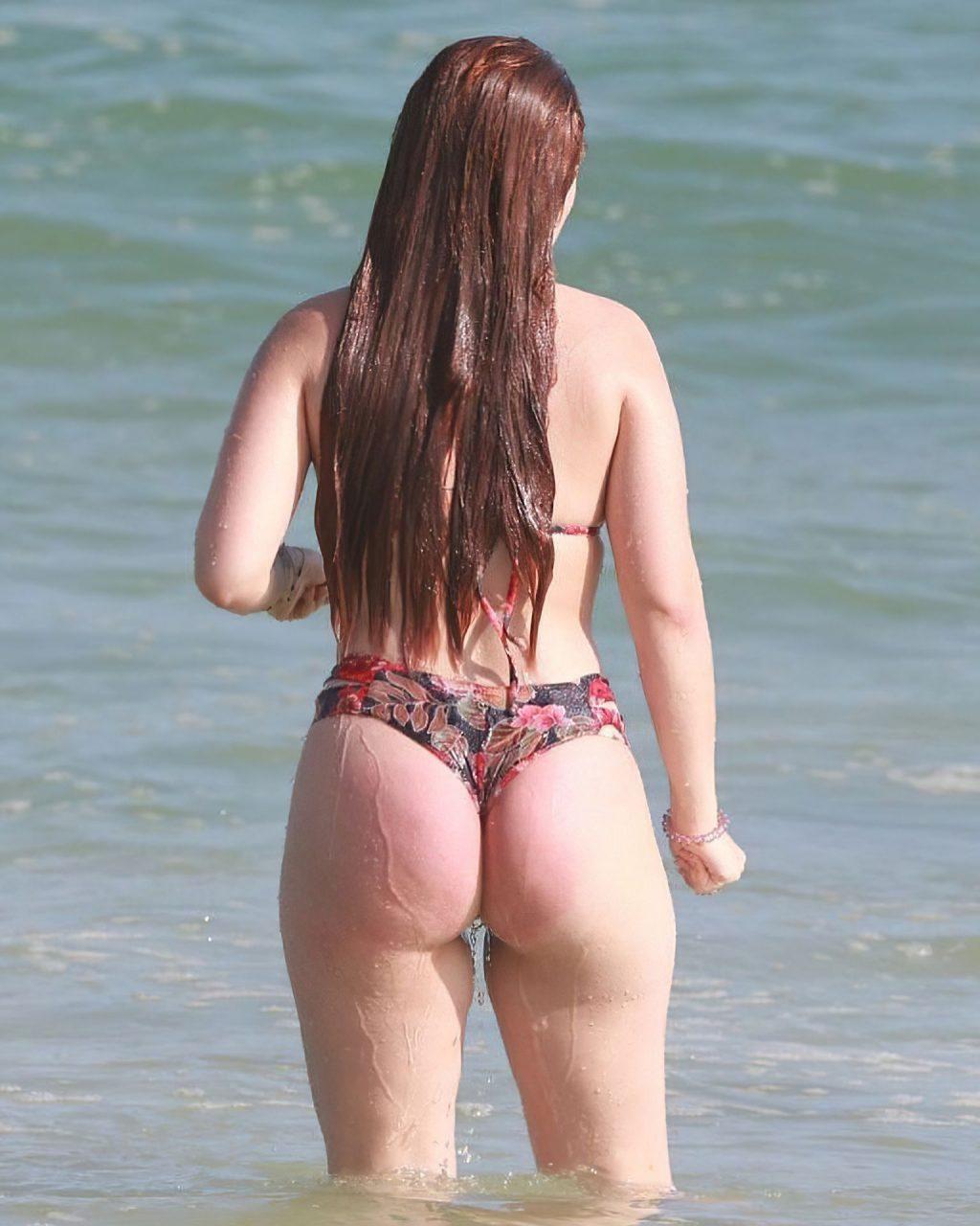 Larissa Manoela Bikini