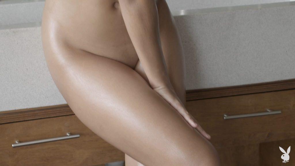 Cara Pin Naked