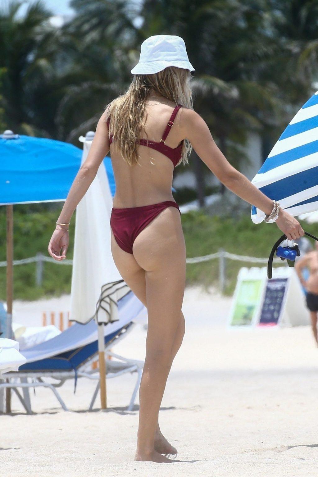 Roosmarijn de Kok Bikini