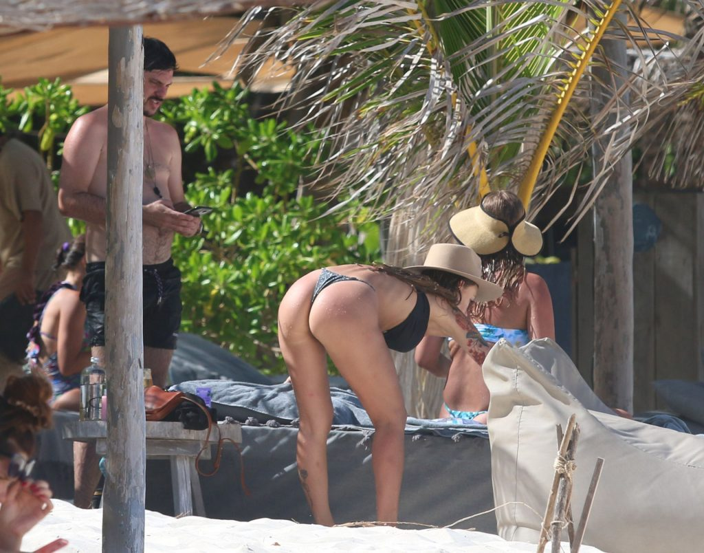 Liza Lash Bikini