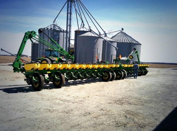 John Deere Planter via thefarmerslife.com