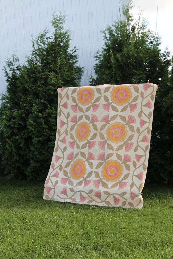 Whig Rose Quilt via thefarmerslife.com