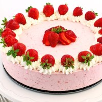 No Bake Strawberry Oreo Cheesecake Recipe
