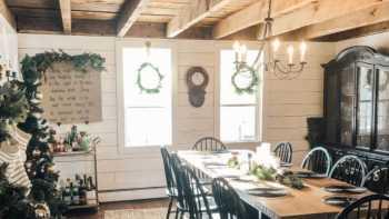 DIY Fridays – Making Fresh Christmas Wreaths!
