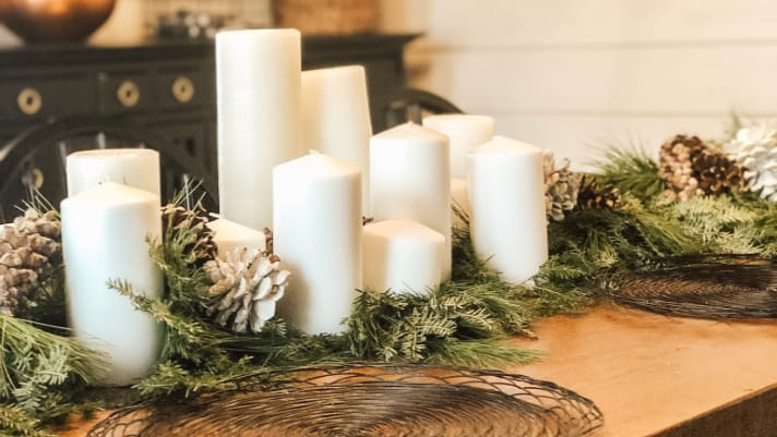 Do-It-Yourself fresh Christmas garland