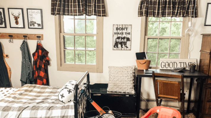 How to organize a kid's room with no closet