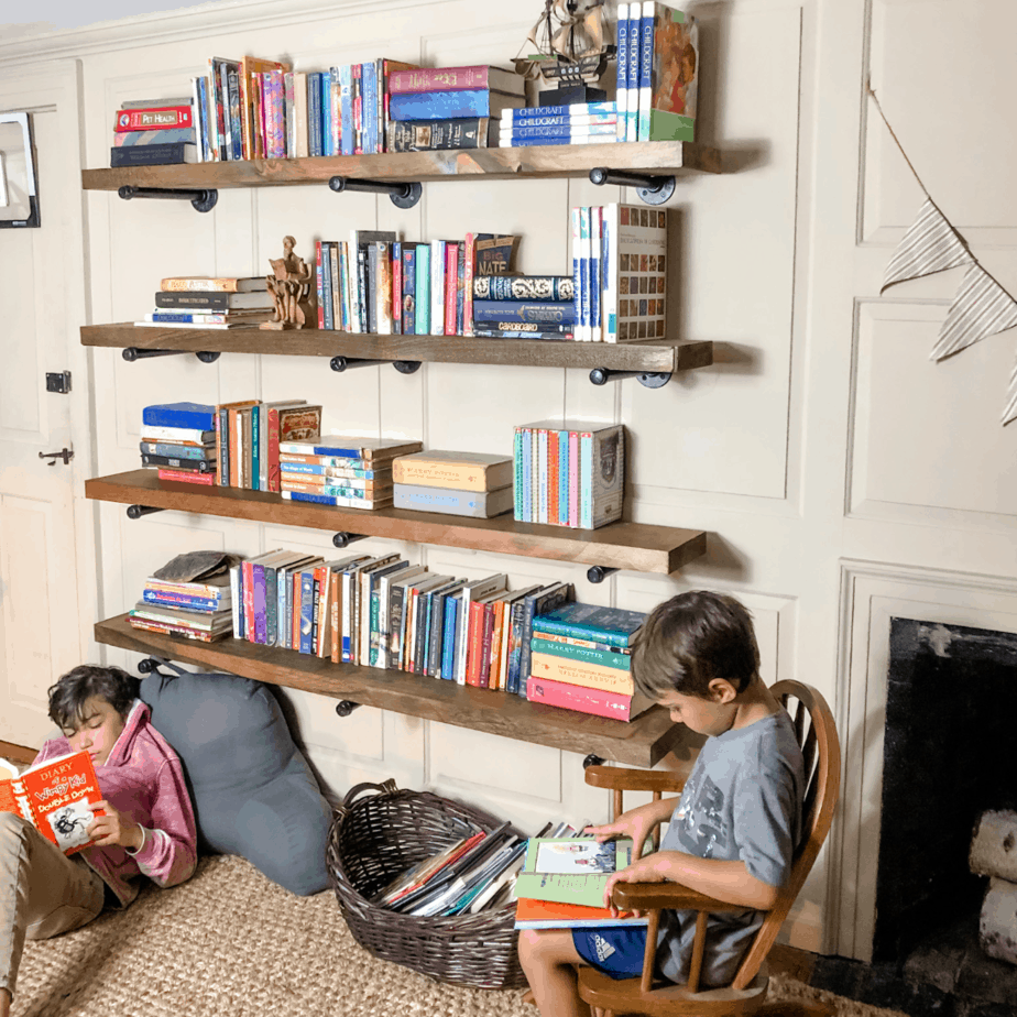 Kids bedroom storage solutions – Week one: Wall mounted book shelf