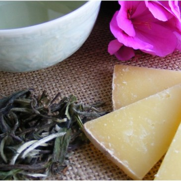 Learn the fine art of matching tea with fine Tasmanian cheeses at The Farm Shed in this one-of-a-kind workshop