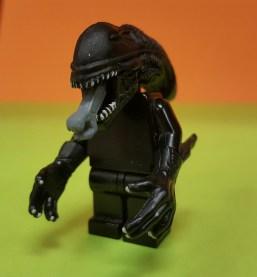 lego xenomorph minifigure