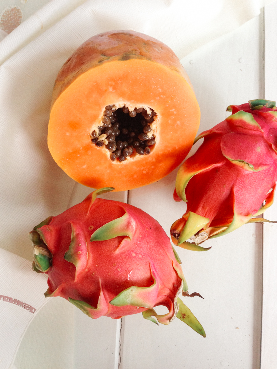 Pawpaw & dragon fruit in Thailand.