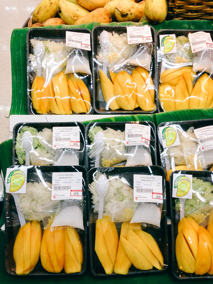 Pre-packaged Thai mango & sticky rice.