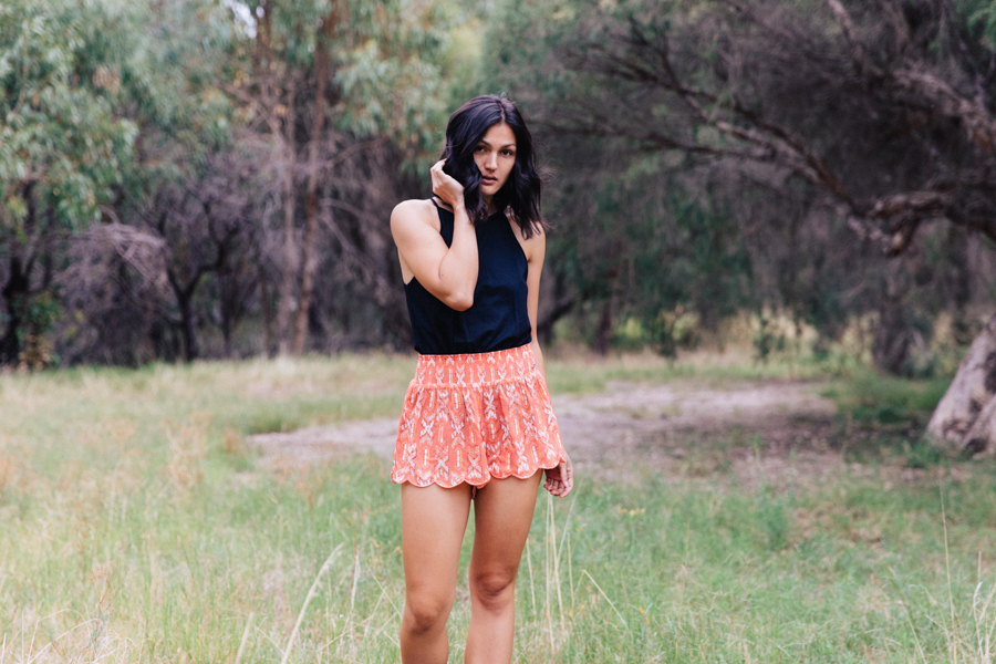 Comfortable summer shorts in coral from Mambo.