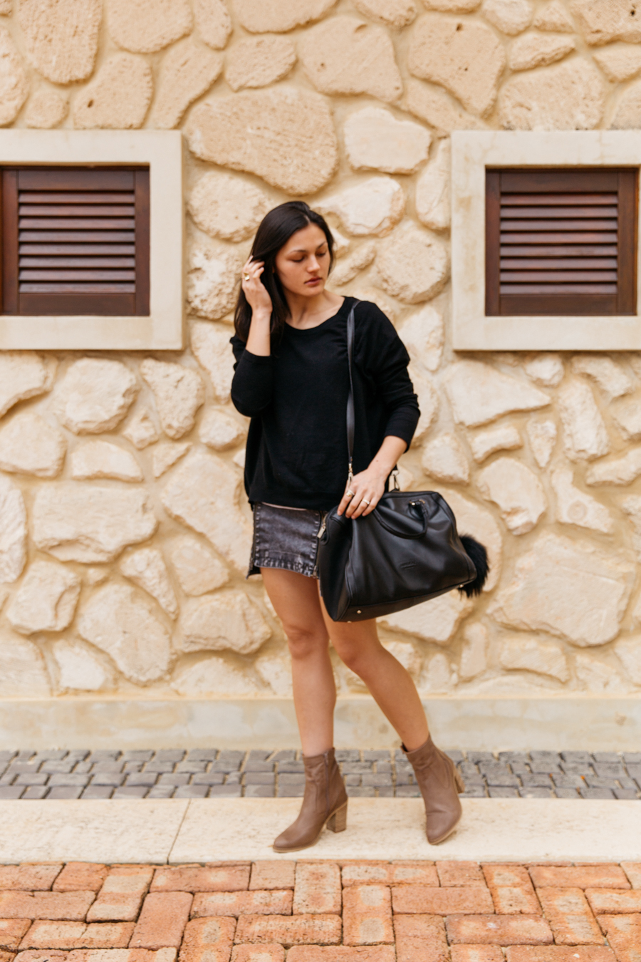Black, great, brown outfit idea.
